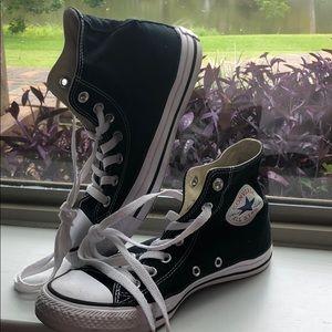 Very gently worn Black high top converse